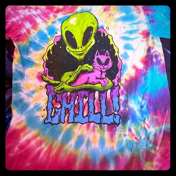 Men's medium trippy alien tshirt